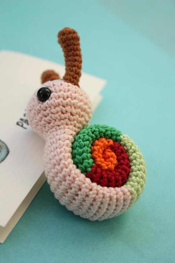 Este es el patrón Original de caracol por HAPPYAMIGURUMI © (2010)  Pequeño caracol Amigurumi patrón - patrón imprimible Pdf Crochet - instantánea
