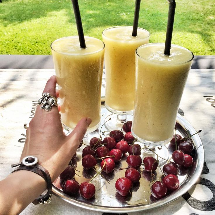 Summer look back: Remember to drink enough water: Water + Ginger + banana + melon + mango + lots of crunchy ice.  Yummy!!!  Enjoy your sunday out there! ❤ Love from clanofdk.com #Juice #mango #SterlingSilver #Rings