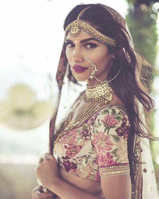 Every Bridal Lehenga from Sabyasachi Mukherjee's Summer 2016 collection you need…
