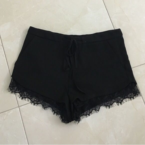 I+just+discovered+this+while+shopping+on+Poshmark:+Zara+black+lace+shorts.+Check+it+out!++Size:+M,+listed+by+rubyrox