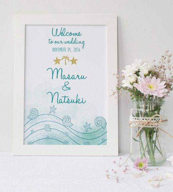 『涼しいハンドメイド2016』DIY store PBWオリジナルの海外ウェディング風ウェルカムボードです♡シンプルだけど華やかに結婚式を彩ります。メッセージ内容やフォント・色などをカスタムすることが可能なので結婚式だけではなくお部屋のインテリアやプレゼントにもどうぞ。Creemaで出品されているウェルカムボードは家庭用プリンターを使用し印刷したウェルカムボードが多い中、当ストアは全て印刷会社での印刷・発送を行うためクオリティの高い商品となっています:) ▼サイズ印刷方法は購入時「配送方法」よりご選択ください。A3/A2 ポスター紙又はA3/A2/A4…