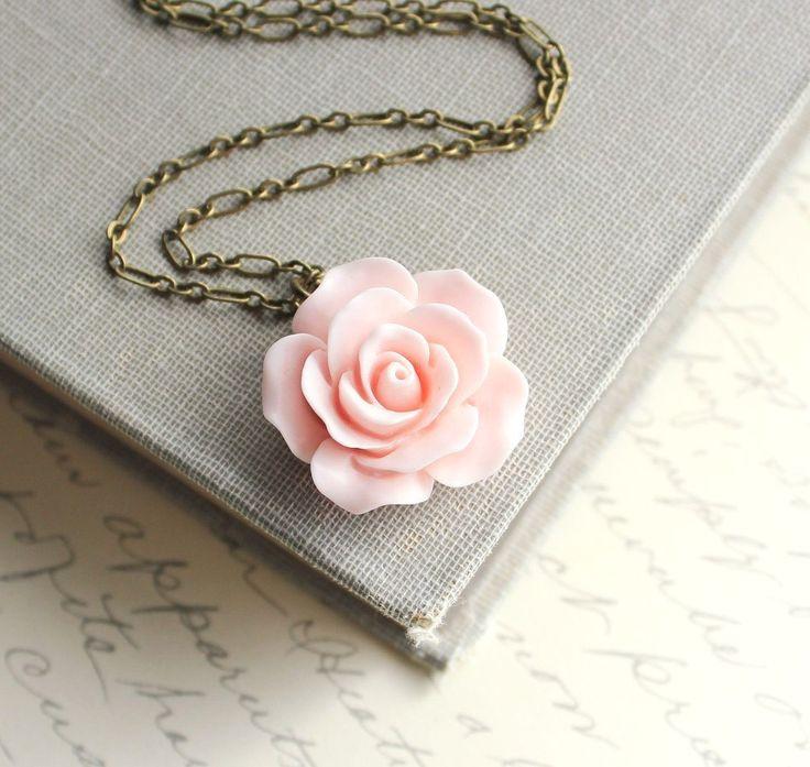 Regalo de rosa collar país flor elegante por apocketofposies