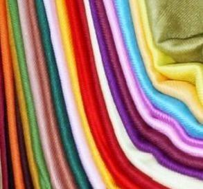 Detalles de boda.Pashminas surtidas de colores para bodas.