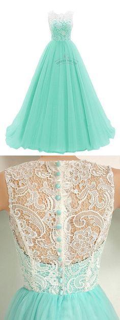 Lindo vestido turquesa com renda e esses botões muito fofoss. #Amei #15anosperfeito #turquesa #renda #valsa