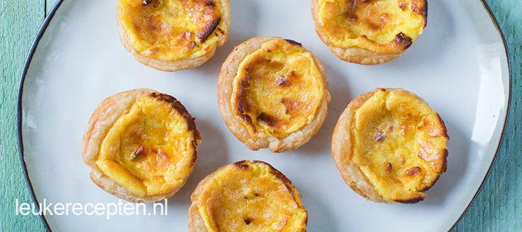 Deze knapperige Portugese gebakjes gevuld met vanilleroom maak je nu zelf makkelijk thuis met dit recept!