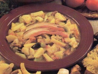 Bramborovo-houbový guláš