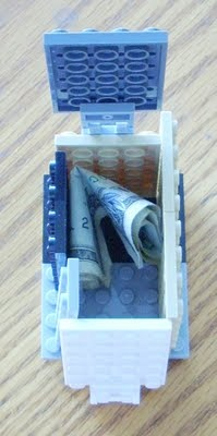 Lego - Tooth fairy box! -Going to have to do this for the next lost tooth.