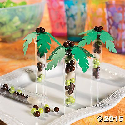 Palm Tree Candy Tube Idea | Give your guests a sweet tropical take-home treat thanks to this easy Palm Tree Candy Tube Idea! A fun twist on traditional treat bags, these candy tubes will fit right in at your luau or beach party. #luau #favors