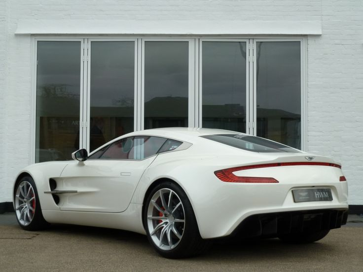 Charmant Aston Martin One 77