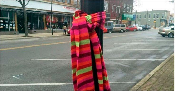 Als je in deze koude dagen een sjaal of das om een paal ziet hangen? Dan is DIT de betekenis