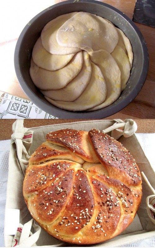 Technique de façonnage pour brioche ou pains - Les disques de pâtes sont posés les uns sur les autres, ici avec du beurre fondu - Szerb pitakenyér - pogace
