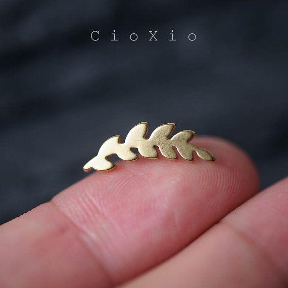cartilage earring 16g cartilage piercing helix earring helix piercing conch earring conch piercing gold leaf