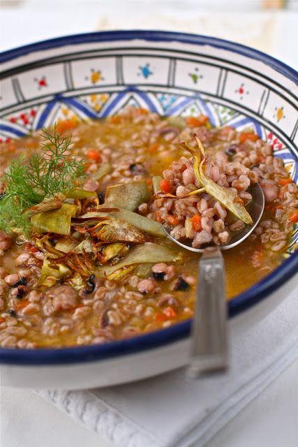 zuppa di polpo, farro e carciofi