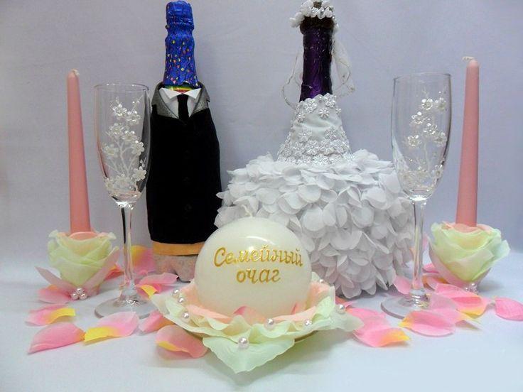 """Уникальная """"одежда"""" ручной работы на бутылки свадебного шампанского."""
