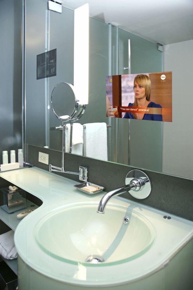 Telewizor w lustrze w łazience lub lustro z telewizorem. Praktyczne i bezpieczne. http://mirrormultimedia.pl/projektowanie-wnetrz/aranzacja-lazienki #mirrortv #bathroom