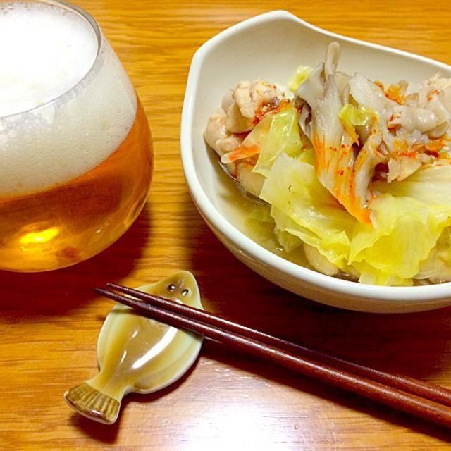 メインは、手羽元、キャベツ、マイタケを酒と白だしで鍋に♨︎ 食べる時にラー油をかけても美味い - 93件のもぐもぐ - 3月…13日の金曜日 by furyu