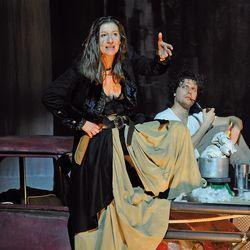 Mutter Courage und ihre Kinder – ETA Hoffmann Theater Bamberg