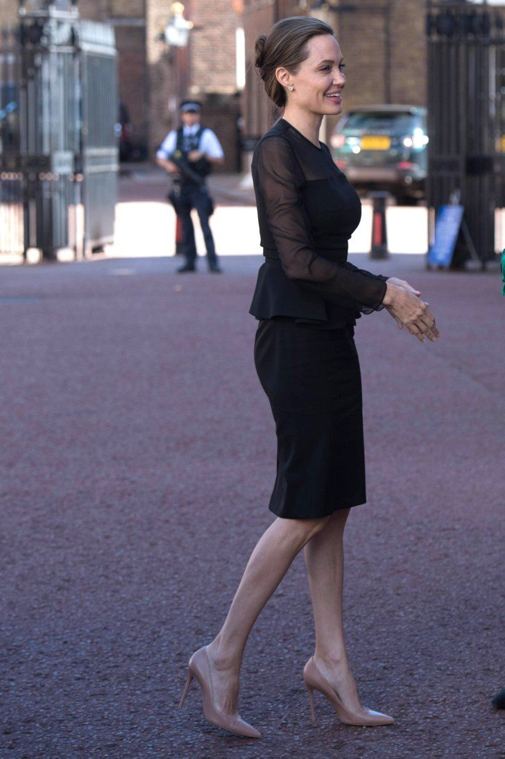 Angelina Jolie Has a No-Fail Formula to Event Dressing and It Starts With This P…