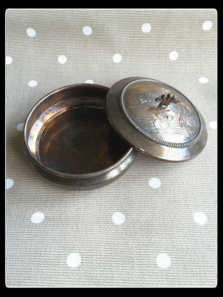 Vintage metal Art Deco trinket / jewellery box by PawhillTreasures on Etsy