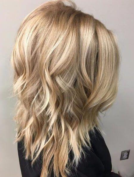 Lange, kurze, mittlere geschichtete Frisuren für 2019