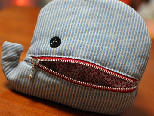 Whale? Elephant? Zipper pouch (I love these zipper-mouth-critter pouches!)