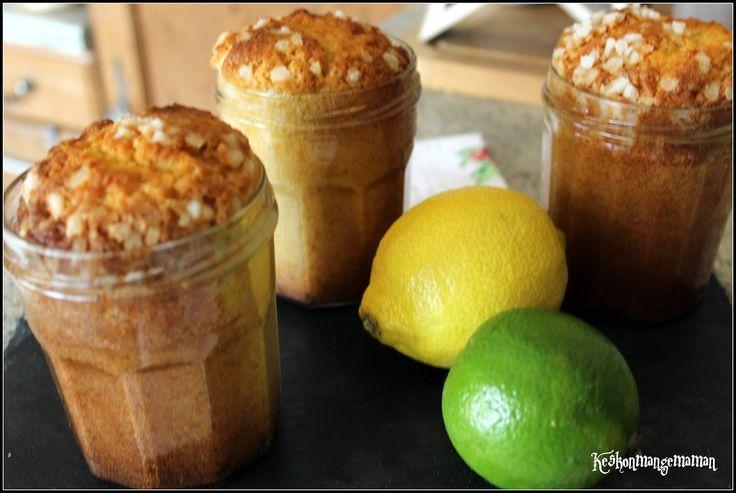 Pour 4 bocaux (type bocaux à confiture ) vous aurez besoin de :  - 3 œufs - 75 g de sucre glace  - 75 grammes de cassonade  - 150 g de farine - 125 g de beurre doux - 7 cl de jus de citron(environ un citron et demi) - le zeste d'un citron vert non traité - 1/2 sachet de levure  - 4 c à soupe de sucre perlé