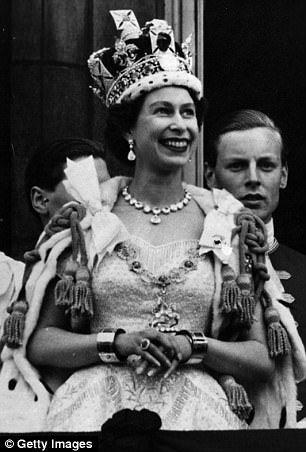 Queen Elizabeth Becomes The World S Oldest Living Head Of State Her Majesty The Queen Queen Elizabeth Royal Queen