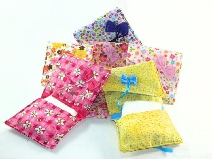 Tipos De Toallas Sanitarias. Tipos De Toallas Sanitarias  Quizás te preguntes ahora ¿Qué son las toallas sanitarias? Parecen ser toalla de baño, pero, son toallas para mujer, y ¿Qué son? Pues, son toallas para proteger de manchas en esos días de menstruación. Quizás suene un poco raro, pero existen una gran variedad de tollas sanitarias para mujeres y cada una con distintas características una de las otras, solo debes elegir....  Tipos De Toallas Sanitarias. Para ver el artículo completo…