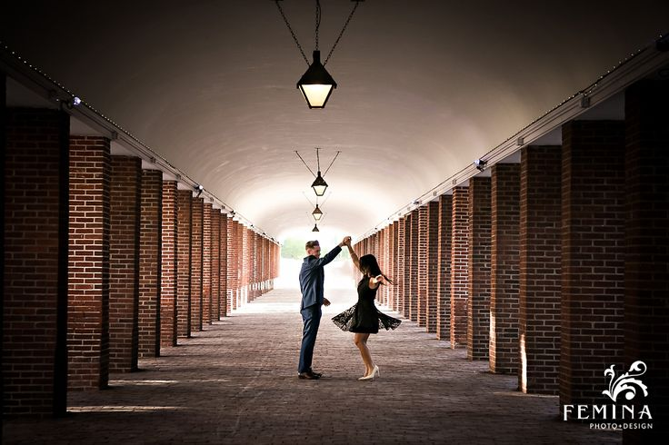Engagement Photo Ideas | Engagement Outfit Ideas | Philadelphia Wedding Photographer
