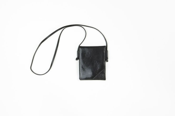ONAR Disco Bag in black nappa leather. The perfect party bag for the summer nights.