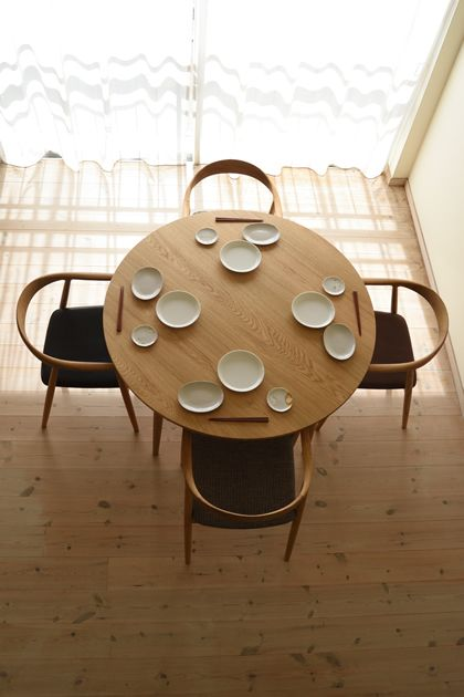 ナラ丸ダイニングテーブル(4本脚) 直径115cm / カグオカ