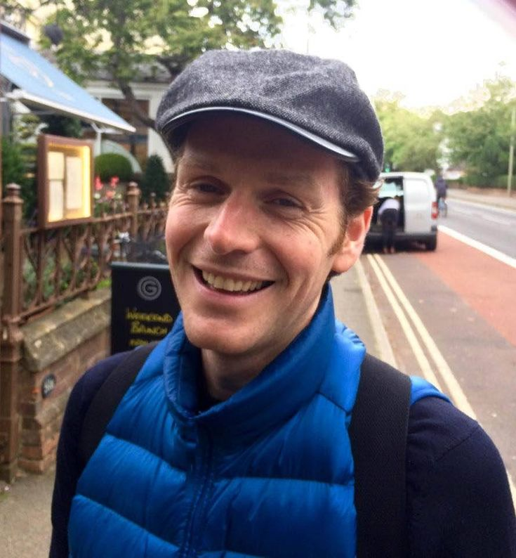 "yomenamori: "" Shaun Evans in Oxford while filming Endeavour V, September 2017 photo by William Jacob Bechem """