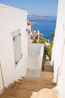 Hydra, Greece Love this narrow stairs.