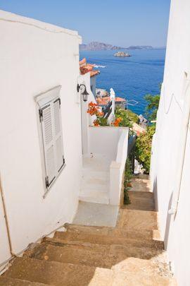 Hydra, Greece Love this narrow stairs.