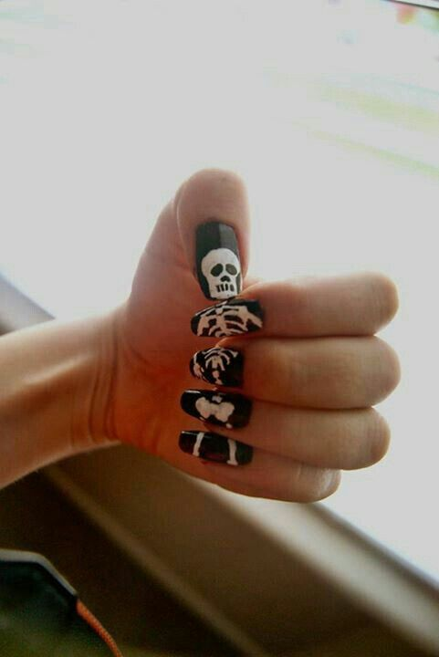 53 best i like nails images on pinterest gel nails beauty boredom nails skeleton nails perfect for halloween prinsesfo Images
