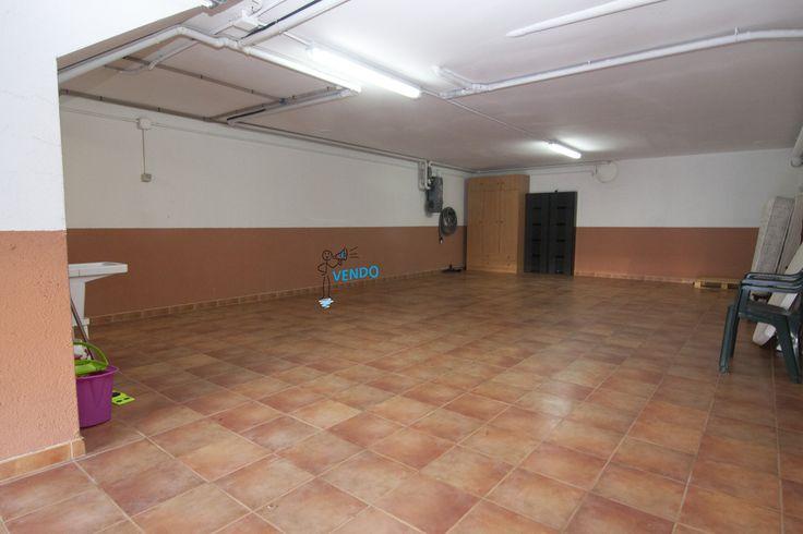 Chalet en Urbanización con club social en Sabaris. www.inmobiliariad... Ref.: d-200715 #ComprarCasaEnVigo