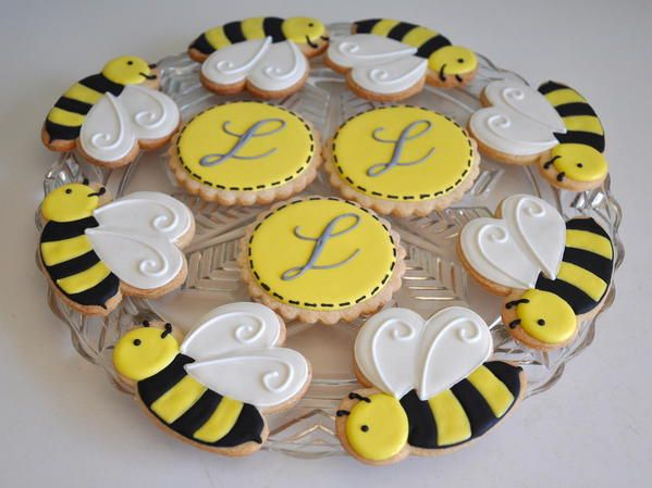 Bee cookies for a baby shower! | Pea In The Pod! | Pinterest