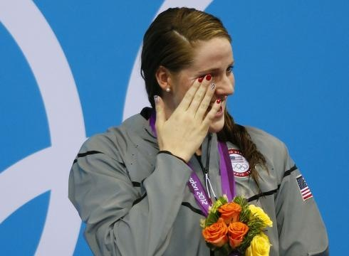 "Swimming sensation Missy Franklin now has something other 17-year-old girls all over the world will be jealous of: a tweet from Justin Bieber.  The teen heartthrob singer wrote about Franklin on Twitter on Tuesday morning, hours after she won her first individual gold medal in the 100-meter backstroke. He tweeted:  ""heard @FranklinMissy is a fan of mine. now im a fan of hers too. CONGRATS on winning GOLD! #muchlove"""