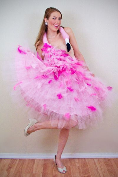 Flamingo dress... so want to make this for Daria's oldest lol...