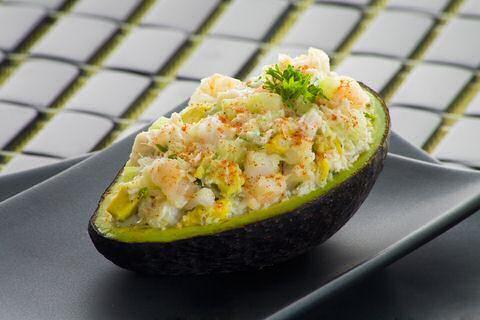 Makkelijk en lekker krabsalade recept zodat je zeer snel een gezonde salade kan maken, zonder mayonaise maar minstens even lekker.