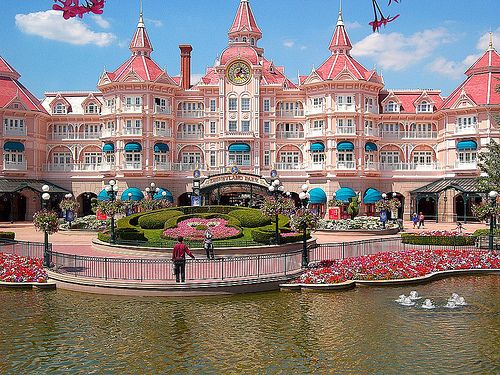 Disneyland Paris  That building above the gates is a hotel, that's so cool!