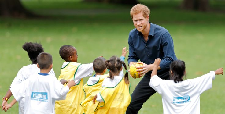 LONDON, UNITED KINGDOM - JULY 28: (EMBARGOED FOR PUBLICATION IN UK NEWSPAPERS UNTIL 48 HOURS AFTER CREATE DATE AND TIME) Prince Harry plays handball with children taking part in a StreetGames 'Fit and Fed' summer holiday activity session in Central Park, East Ham on July 28, 2017 in London, England. The Fit and Fed campaign aims to provide children and young people with free access to activity sessions, with lunch included, throughout the summer holidays. (Photo by Max Mumby/Indigo/Getty…