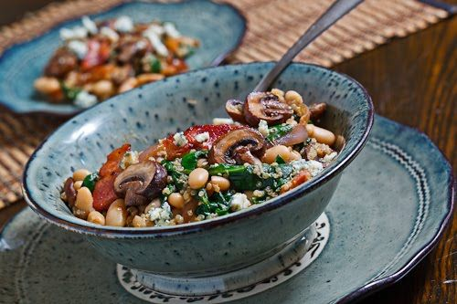 White Bean and Spinach Quinoa Salad with Bacon, Caramelized Onions, M ...