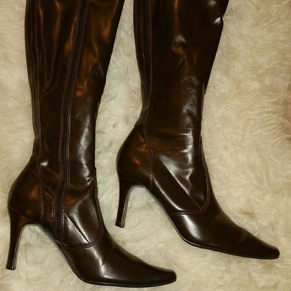 💥💖SALE!!!! Brown heeled boots with zipper Brown heeled boots, mint condition !!   Shoes Heeled Boots