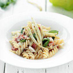 Makaron z fasolką szparagową, gorgonzolą i szynką parmeńską | Kwestia Smaku