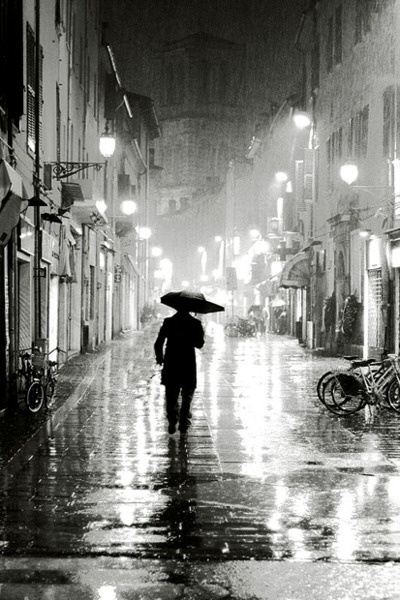 : Photos, Rainy Night, Umbrellas, Walks, Late Night, Black White Photography, Night Lights, Inspiration Pictures, Cities Lights