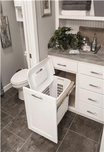 Solve your dirty laundry dilemma - a pull-out hamper in the master bathroom! #interiordesign Memo: falls kein Wäscheschacht vorhanden