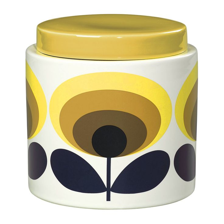 Bring retro charm to your kitchen with this 70s Oval Storage Jar from Orla Kiely. Made from white ceramic, this simple storage jar is adorned with the designer's iconic 70s Oval Flower print in yell