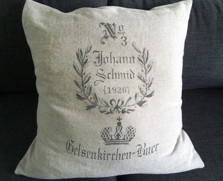 Housse de coussin en lin naturel impression sac de grains vintage Grand modèle : Textiles et tapis par garance-kaki