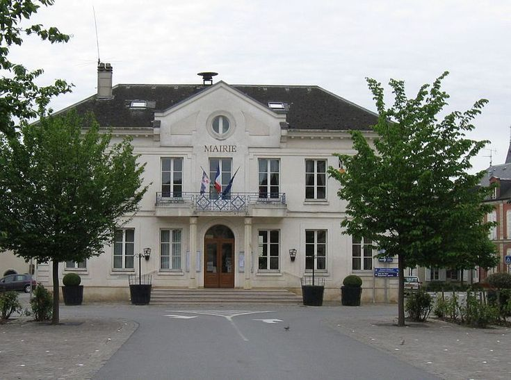 Charly-sur-Marne, Aisne. Pop: 2739